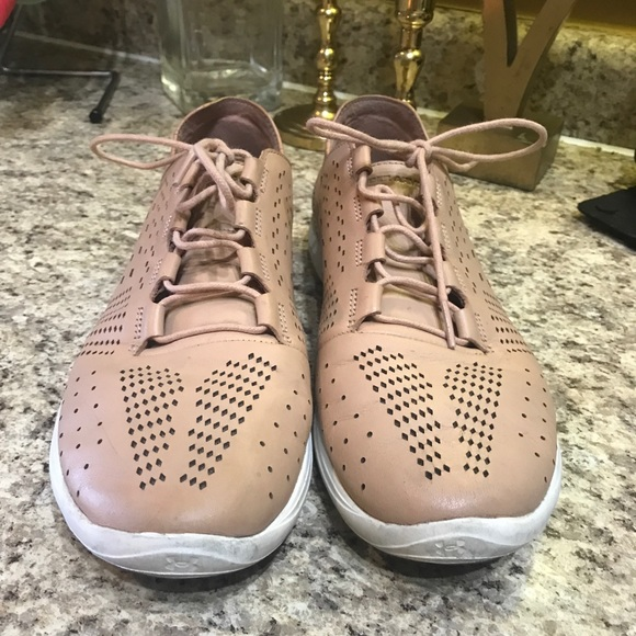 under armour rose gold shoes Online